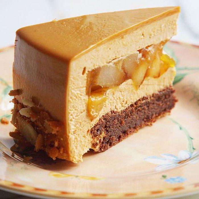 """го величество """"Климт"""" #klimt_cake ученицы #lililoveme_school Натали @protsenko_nat Первый раз человек муссовый торт делал! Говорит ручки дрожали, а не заметно как-то"""